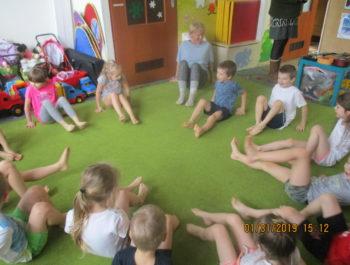 Gimnastykę lubimy, przez nią siłę ćwiczymy