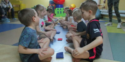 Zajęcia pokazowe z gimnastyki korekcyjnej dla rodziców starszaków